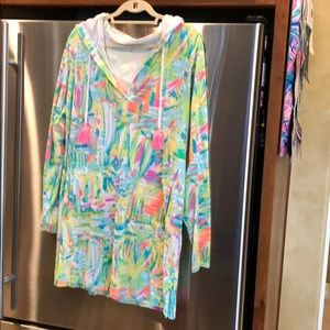 Lilly long-sleeve with hood